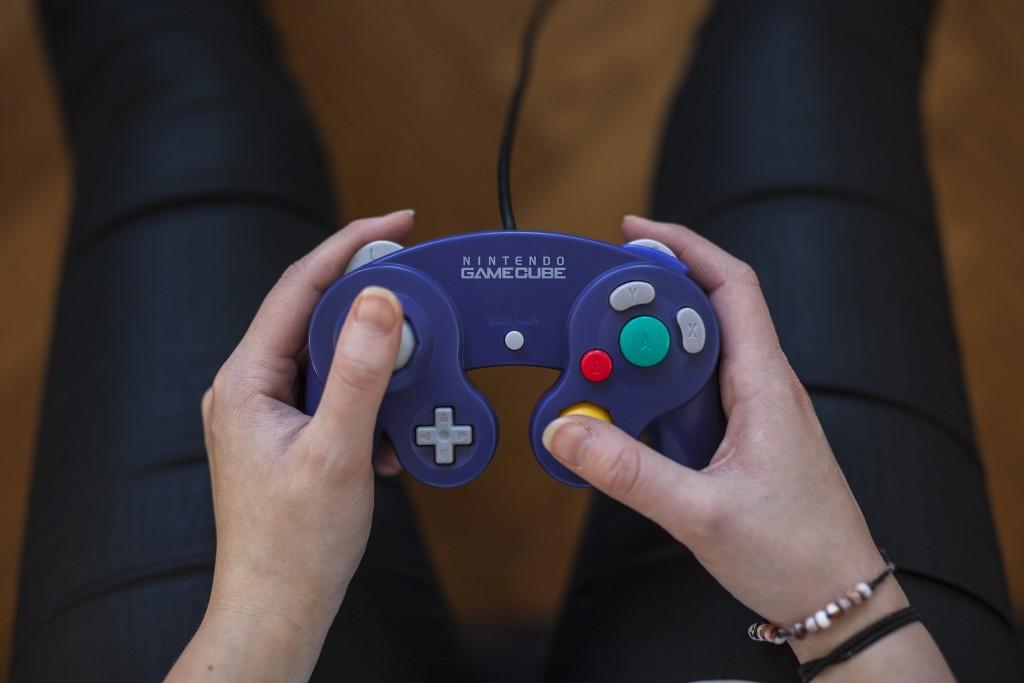 Purple GameCube Controller - Nintendo