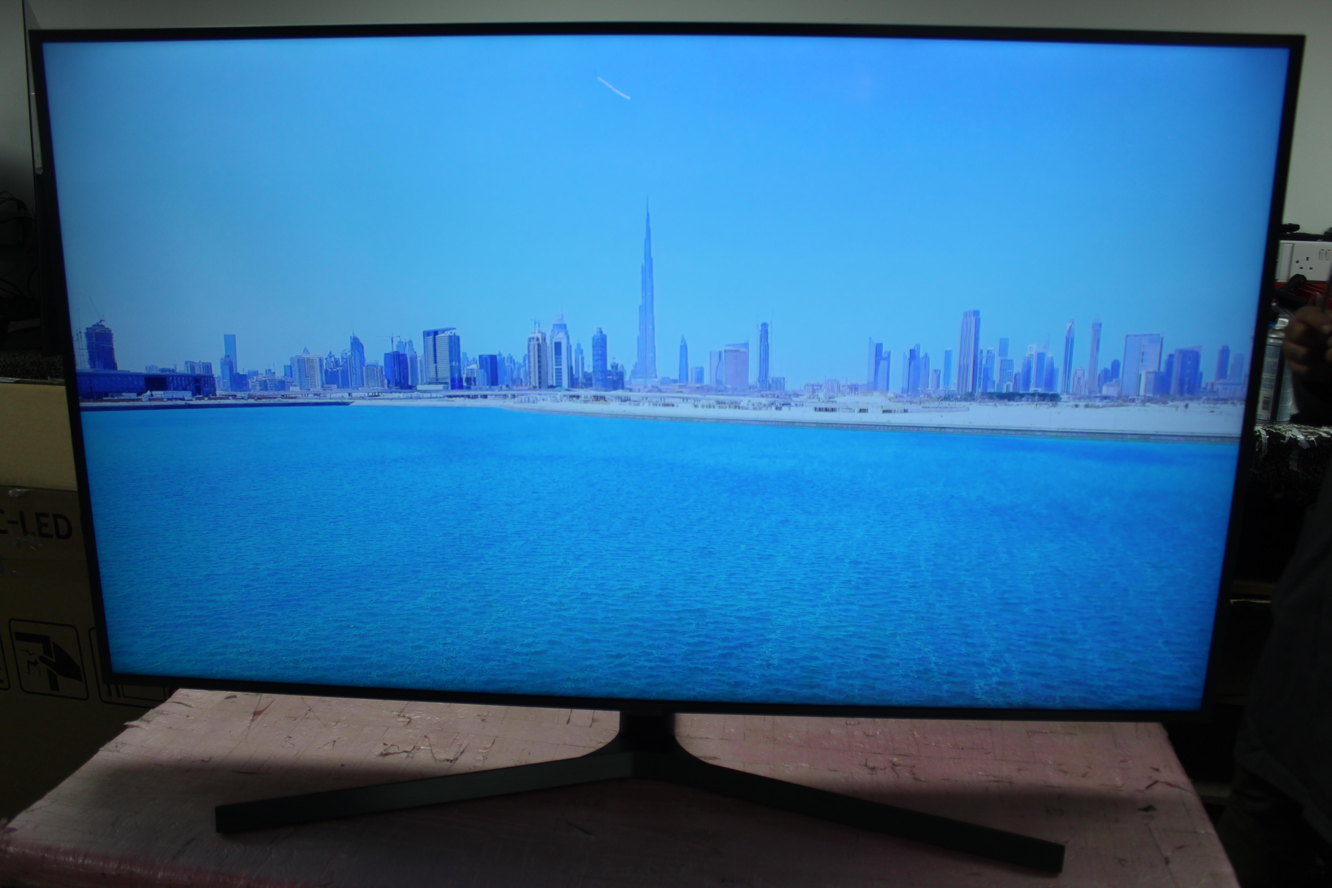 "55"" Samsung UE55RU7400 4K Certified Ultra HD HDR Smart LED TV"
